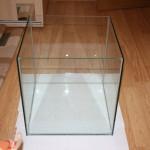 Склейка бескаркасного аквариума своими руками